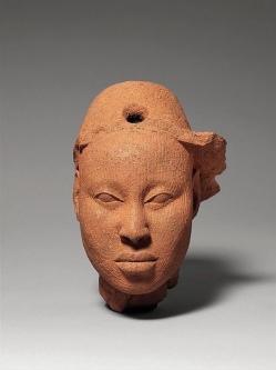 Example of a terra-cotta sculpture of Ile-Ife